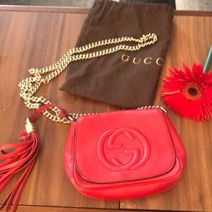 Gucci red Soho disco bag on chain